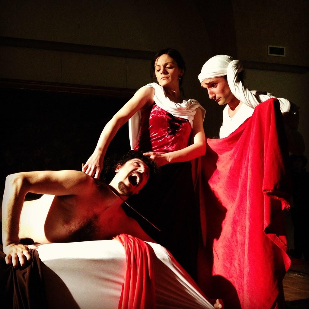 Tableau vivant Giuditta e Oloferne Caravaggio - chi siamo - teatri 35